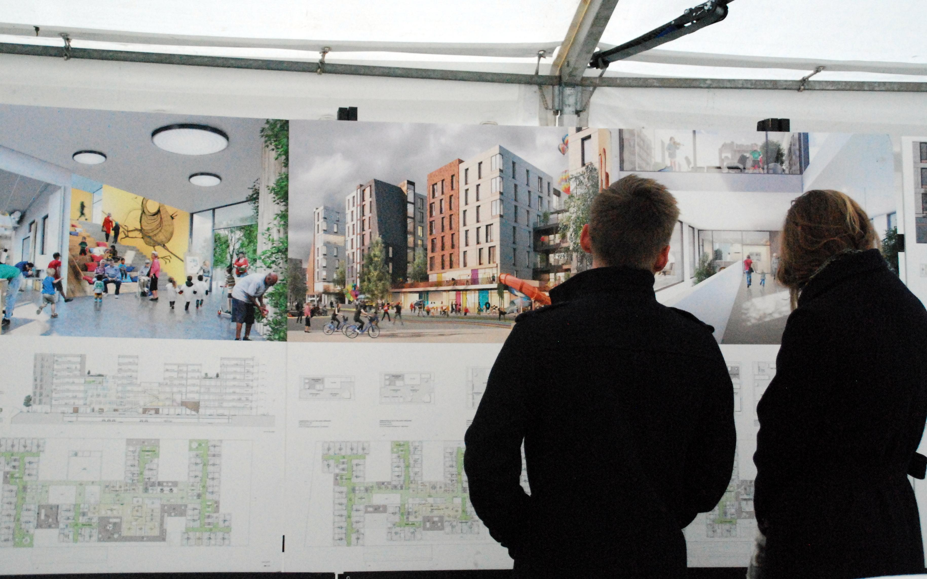 Tegningerne af det kommende Generationernes Hus blev præsenteret for offentligheden i forbindelse med første spadestik. Foto: Ulla Skovsbøl